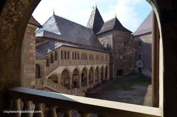 El castillo de hunedoara