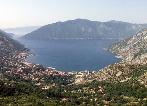 Risan, hermosa ciudad en la bahía de Kotor